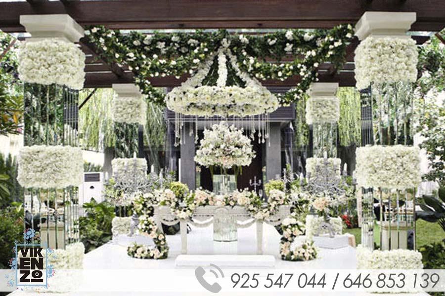 Decoracion de iglesias para boda francesa vikenzo for Boda decoracion