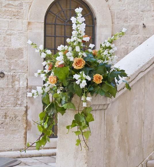 decoracion de la entrada a la iglesia