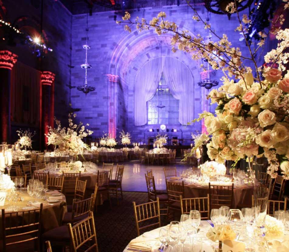 Decoracion salon de bodas arreglos florales vikenzo for Decoracion de salon para boda